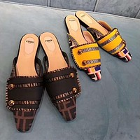 Fendi Fashion Slippers and Sandals-4
