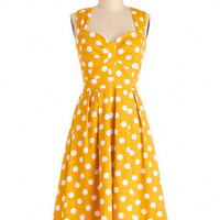 Yellow Sleeveless Polka Dot Sweetheart Neck Sheath A-line Pleated Midi Dress
