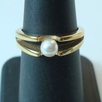 Avon Solitaire Pearl Ring 18K HGE Size 6.75