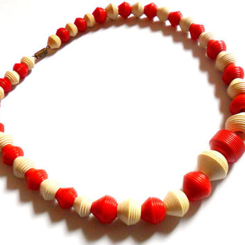 Early Plastic Beaded Necklace Vintage Red White Carved Cone Barrel Ribbed Ridges Galalith Casein French Bakelite