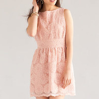 JUN & IVY DAISY EMBROIDERED DRESS IN BLUSH