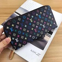 LV Louis Vuitton Fashion Sell Men's and Women's Universal Handbags Long Zipper Wallet Handbag