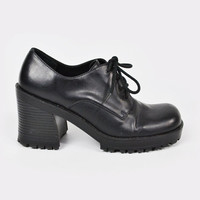 vintage 90s black faux leather CHUNKY HEEL OXFORD shoes / black chunky oxford / black oxford / lace up oxford / 90s oxford / 90s grunge / 9