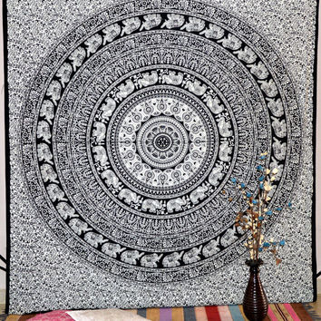 New Mandala Wall Tapestry Wall Hanging Wall Tapestries Gypsy Bed Cover Wall Decorative Art Bedspread Beach sheet