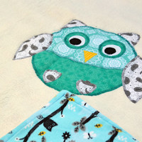 Owl Ultra cuddle fleece baby blanket, Quilted toddler blanket, travel blanket, baby blanket, quilt in white