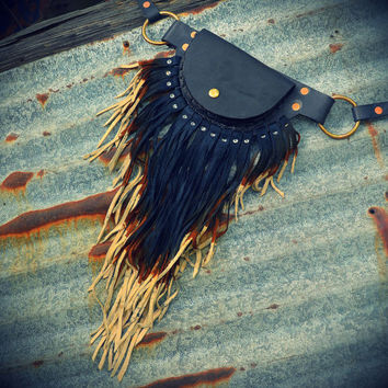 Large pouch belt with leather fringe fanny pack
