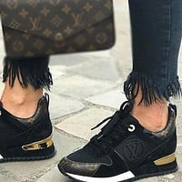 LV Louis Vuitton Hot selling new style leather stitching breathable sneakers Fashion men's and women's casual sports shoes