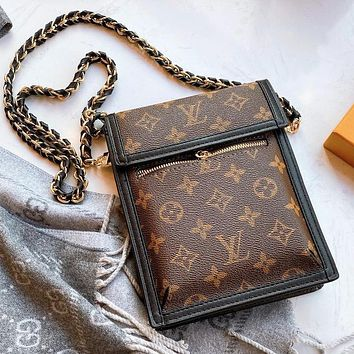 LV Louis Vuitton New Fashion Lady Letter Print Retro Chain Small Shoulder Bag Slant Crossbody Bag