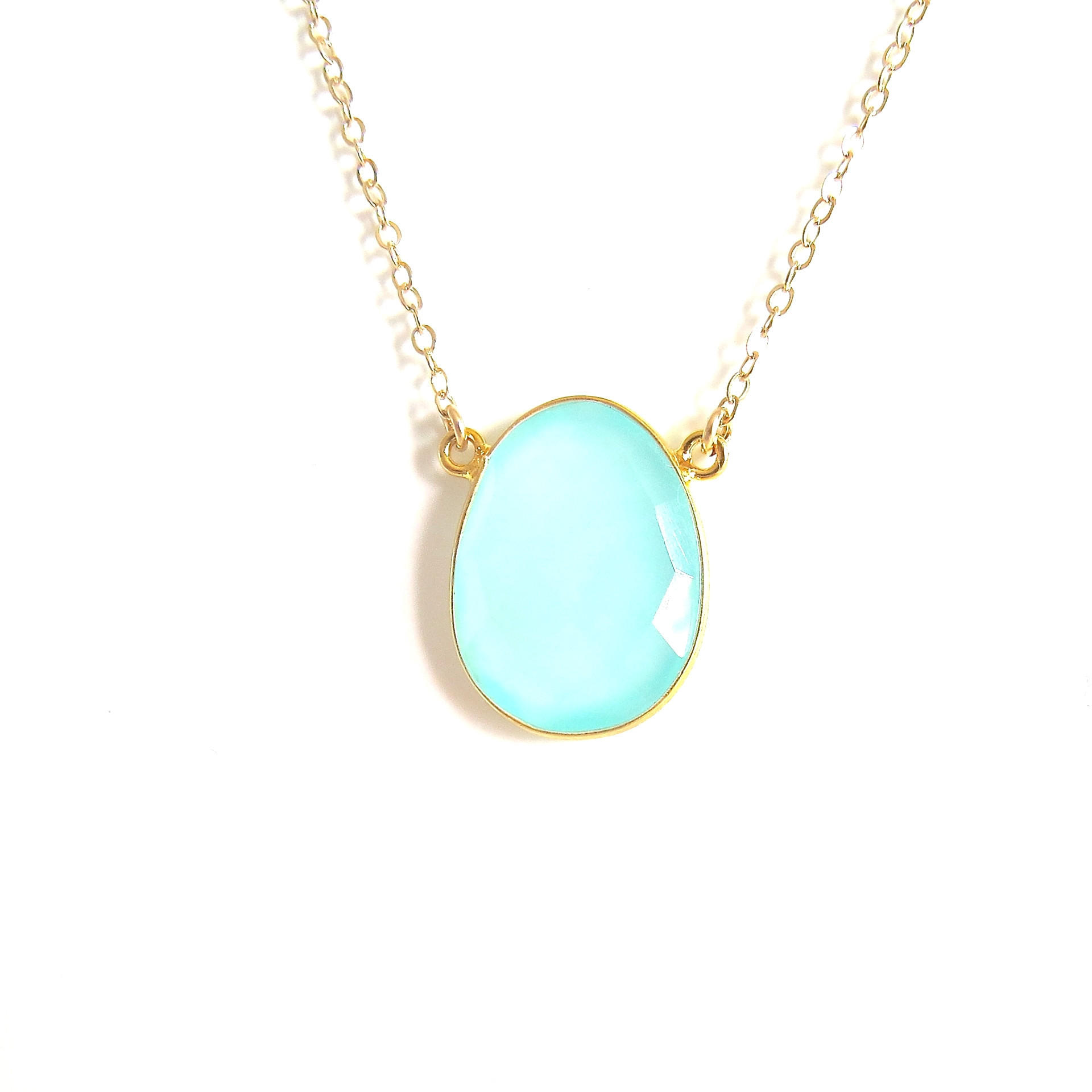 Image of Chalcedony Gold Pendant Necklace