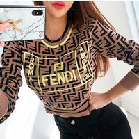 FENDI sells women's casual embroidered monogrammed round collars in short, versatile t-shirts