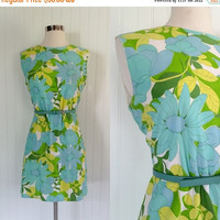 25% OFF aqua blue & green floral print 1960s vintage mod era nylon mini sheath dress // graphic pop art neon // size M