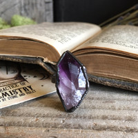 Raw Amethyst Ring / Raw Crystal Ring / Large Amethyst Ring Purple Stone Ring Rough Gemstone Ring / Dark Gothic Jewelry /
