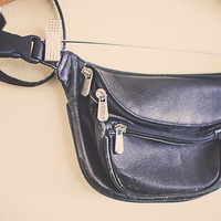 Vintage 80's Fanny Pack Black Leather Piel Sport with Zipper and Pocket Hipster Fannie Pack Bum Bag Rave Festival Wear Club Kid