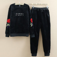 GUCCI  two sets of leisure sports Rose Embroidered velvet suit
