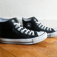 Black and grey leather Converse high tops with foldover cuffs, double collar and embroidery. Size eu 36.5 (UK 4, Us women's 6, Us men's 4)