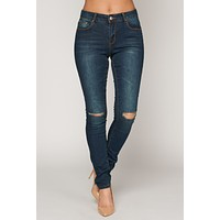 Justified Mid-Rise Jeans (Dark Wash)
