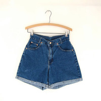 STOREWIDE SALE...Vintage 80s blue jean shorts. high waisted shorts.