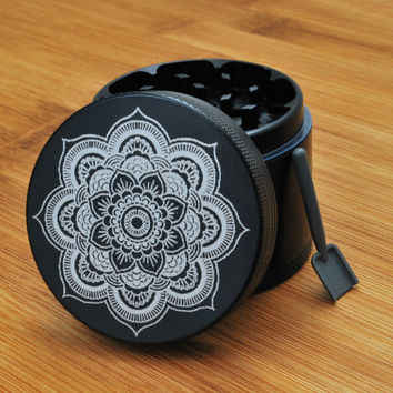 California Sea // 4 Piece Herb Grinder - Flower Mandala Grinder
