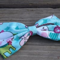 Cartoon whimsical kitty pattern fabric bow barrette.  Fabric bows for girls, teens, and adults.          ~FABRIC BOW DEPOT~