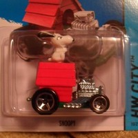 Snoopy Hot Wheels HW City Series Peanuts Cartoon 1:64 Scale Collectible Die Cast Metal Toy Car Model