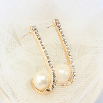Elegant Pearl & Rhinestone Earrings