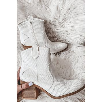 DIRTY LAUNDRY Unite Snake White Bootie