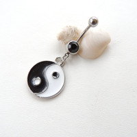Yin Yang Belly Button Ring, Ying Yang Belly Ring, Belly Button Jewelry, Summertime Jewelry, Captive Rings, Women / Teen Gift. 475