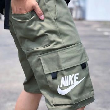 NIKE Multi-pocket design for shorts