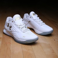 Under Armour Curry 1 low One low Friends and Family DS White Gold mvp