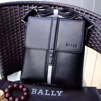 BALLY MEN'S CLASSIC LEATHER CROSS BODY BAG