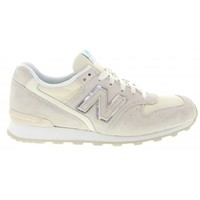 New Balance 996 Sneakers in White - Glue Store