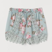 Lace-trimmed Shorts - Light turquoise/floral - | H&M US