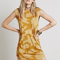 Novella Royale Womens Goldie Dress