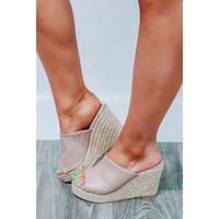 Lift Station Wedges: Taupe/Natural
