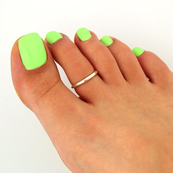 toe ring sterling silver toe ring Plain design adjustable toe ring (T-81) Also knuckle ring