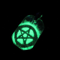 Glass Necklace - Pentacle - Glow in the Dark