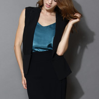Rock It Relaxed Sleeveless Blazer in Black Black