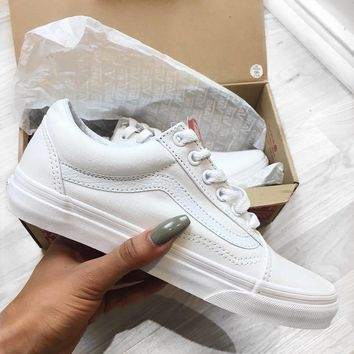 Vans Old Skool Classics All White Sneaker