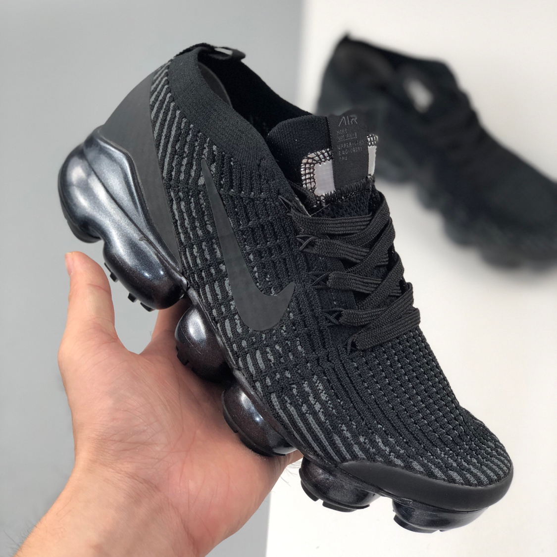Image of Nike Air Vapormax Flyknit Air Cushion Color Block Men's and Women's Basketball Shoes Sneakers