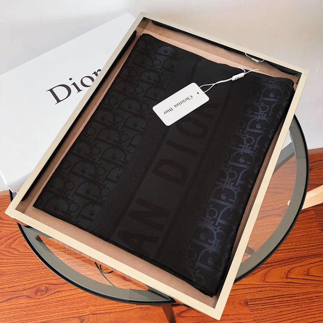 Image of Dior Women's Outing Sunscreen All-match Shawl Scarf