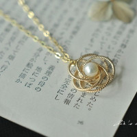 Necklace,Golden Wire winding wreath Necklace,Pearl  necklace,nature lady weeding  necklace