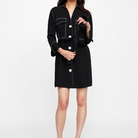 DRESS WITH CONTRASTING TOPSTITCHING DETAILS