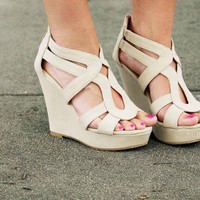 Lindy Wedge- Tan