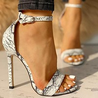 Fashion hot selling sandals with thin heels and open toes