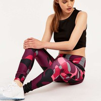 Nike Legend 2.0 Pink Camo Leggings - Urban Outfitters