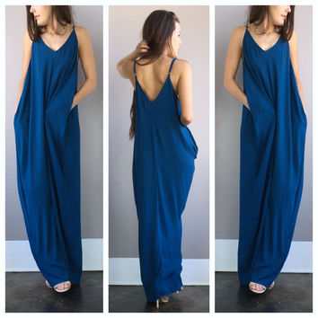 A Slouch Pouch Maxi in Sky Blue