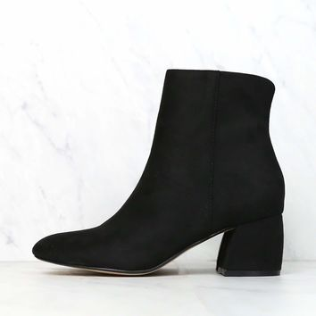 Chinese Laundry - Davinna Suede Chunky Heel Ankle Booties - Black