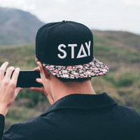 STAY SNAPBACK - LIMITED FLORAL