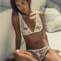 Women's Fashion Sexy Embroidery Underwear Stylish Set [10510222275]
