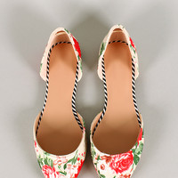 Floral Fabric Pointy Toe Flat